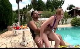 Negão comendo sua namorada loirinha