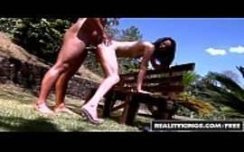 Amanda Mendes dando o rabo x videos