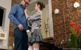 Gostosinha se flertou com o professor