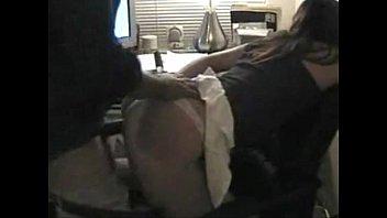 Secretária deu pro patrão barrigudo