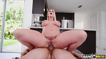 Tubidy porno com loira dos peitões