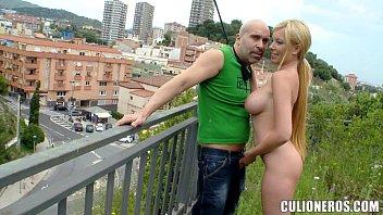 Videos porno boa foda loira mamando na rua