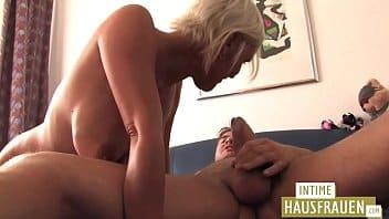 Xxxvideos porno coroa safada fodendo com bem dotado
