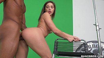Amadora foi fazer teste para pornô e fode com preto dotado