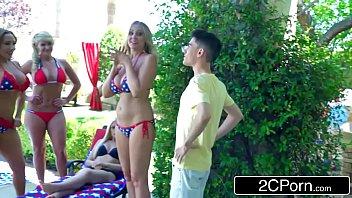 Cam4 porno novinho fodendo com duas mulheres maduras