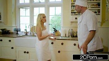 Mamae fiz porno loira foda com cozinheiro na cozinha