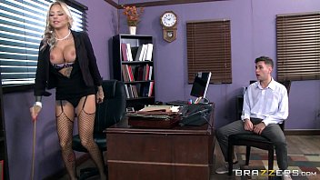 Mulheres nuas peituda diretora fodendo com aluno