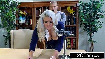 Porno brasil tv loira cavala fodendo no escritório