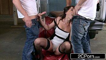 Porno mineiro mulher madura na suruba forçada