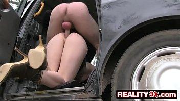 Porno vidio novinha mostra pepeca no taxi e leva pica