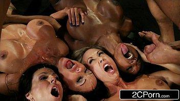 Pornoo de sexo oral com muita gozadas nas bocas