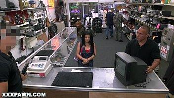 Prazer noturno com puta fodendo com gerente de uma loja