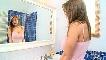 Sex prive da linda garota ficando pelada para foder