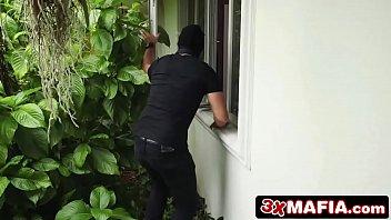 Ver porno policial peituda fodendo com ladrão