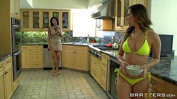 Video erotico lésbicas se pegando na casa de praia