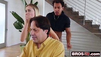Videos para celular loira leva rola na xota pertinho do pai