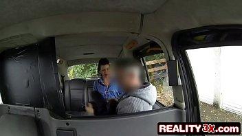 Vidio de sexo gratis puta chupa e fode no táxi