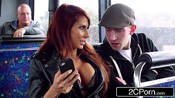 Vidios pornograficos ruiva e guia turistica chupando no ônibus