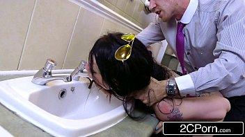 Xnnx porno safada foda com colega de trabalho no banheiro