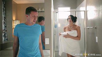 Xxx pornozinho da deliciosa mulher tomando banho