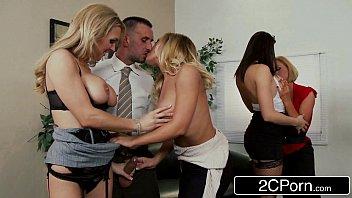 Youjizz safadas gostosas na putaria com colega de escritório