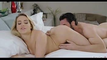 Pornozao videos da loira de cabelo curto trepando e mamando