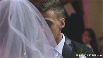 3Movs ex chupa o noivo na sua festa de casamento