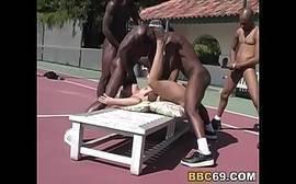 Patricinha fazendo sexo explicito gratis com negros