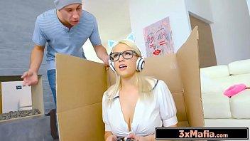 Porno 4g loirinha ninfeta fode jogando videogame
