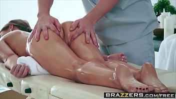 Xvideos BR gata da bunda perfeita sexo na massagem