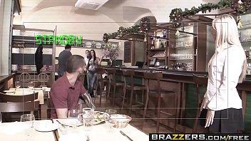 Xvidios porno macho fodendo garçonete gostosa