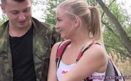 caiu no xvideos.com casal fudendo no acampamento.