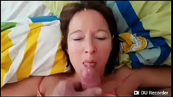 Milf gostosa fodendo com enteado escondido no marido
