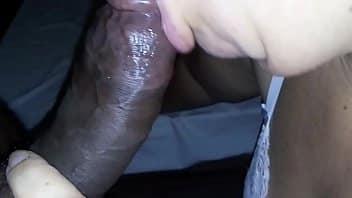 Miss bumbum porno leva rola preta gigante na buceta