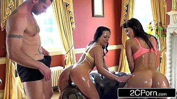Pornô xxx morenas gostosas dividindo foda com macho gostoso