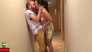 Morena do rabão fodendo com vizinho de apartamento casado