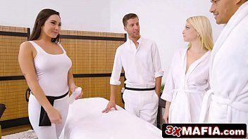 Xxnx porno com loira e morena