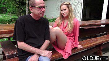 Porno para celular neta foda ao ar livre com avô