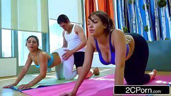 Ver videos porno das gostosas fazendo ioga