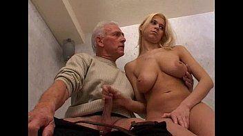 Mulher Fazendo Sexo Com Homem no incesto grátis