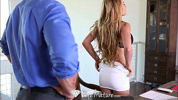 Sexo Putaria com a secretária loira dos peitos grandes e perfeitos