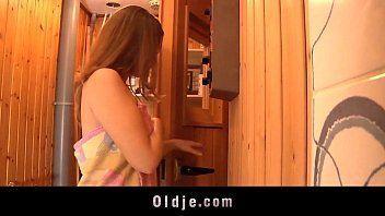 Filha Fazendo Sexo Oral Para Papai Dentro Da Sauna