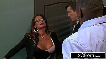 Sexo com policial desfaçado em filme porno