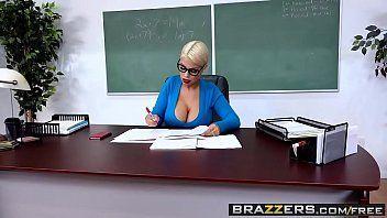 Video pornografico professora loira peituda sexo na escola