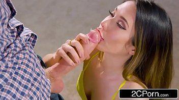Sexo 3g com branquinha mamando gostoso