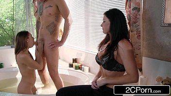 Capela porno com novinha amadora mamando gostoso