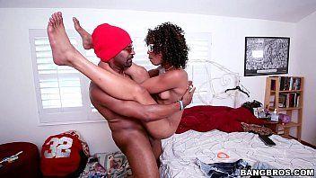 Porno corno sendo traindo pela negra fogosa