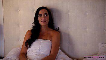 Acervo porno com tia gostosa trepando com sobrinha