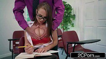 Sexo porno gratis com novinha metendo com o professor safado