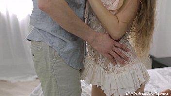 Videos de sexo porno com novinha fazendo namorado feliz